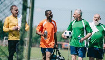 Walking Fußball - Kicken im Schritttempo