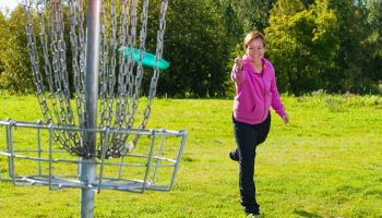 Gewinnspiel zum Frühlingsbeginn: Gewinnt ein Disc-Golf Starterset