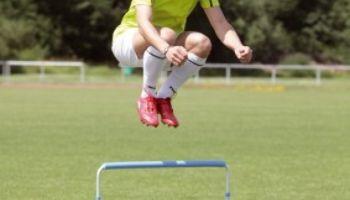 Sichere Hürden, die Zeit sparen - Sport-Thieme Return und Steh-auf