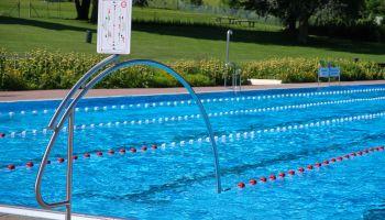 Unsere Tipps für mehr Abstand im Schwimmbecken