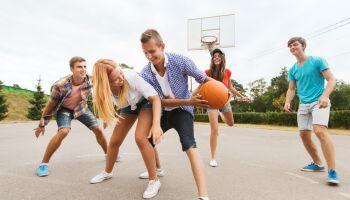Basketball im Schulsport - Regeln und Spielideen