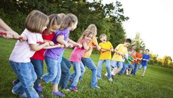 Spiele für Sommerfeste in Schulen