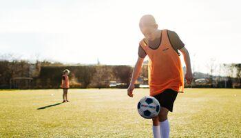 Spielideen für den kontaktlosen Schulsport