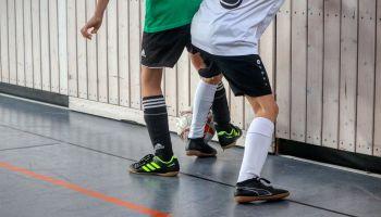 Hallenfußball: Tipps und Tricks für den Schulsport
