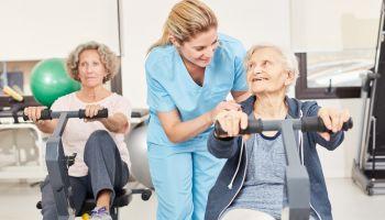 Fitness für Senioren: Muskeln trainieren und Muskelabbau entgegenwirken
