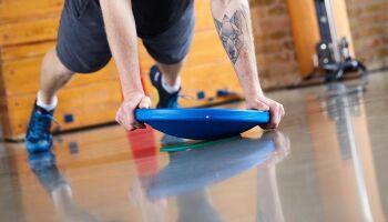 Fitness und Therapie: Übungen mit dem Therapiekreisel