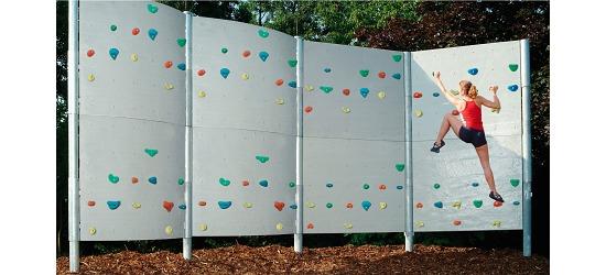 Frei stehende Boulderwand mit Schieferplattenstruktur 4 Elemente - ca. 30 m²
