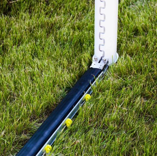 Hochklappbarer Bodenrahmen PlayersProtect für Großfeld-Tore Netztiefe 1,5 m