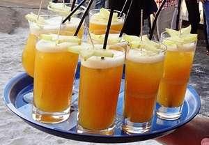 Mallorcaparty 2012: Sport-Thieme serviert Cocktails zum EM-Viertelfinale