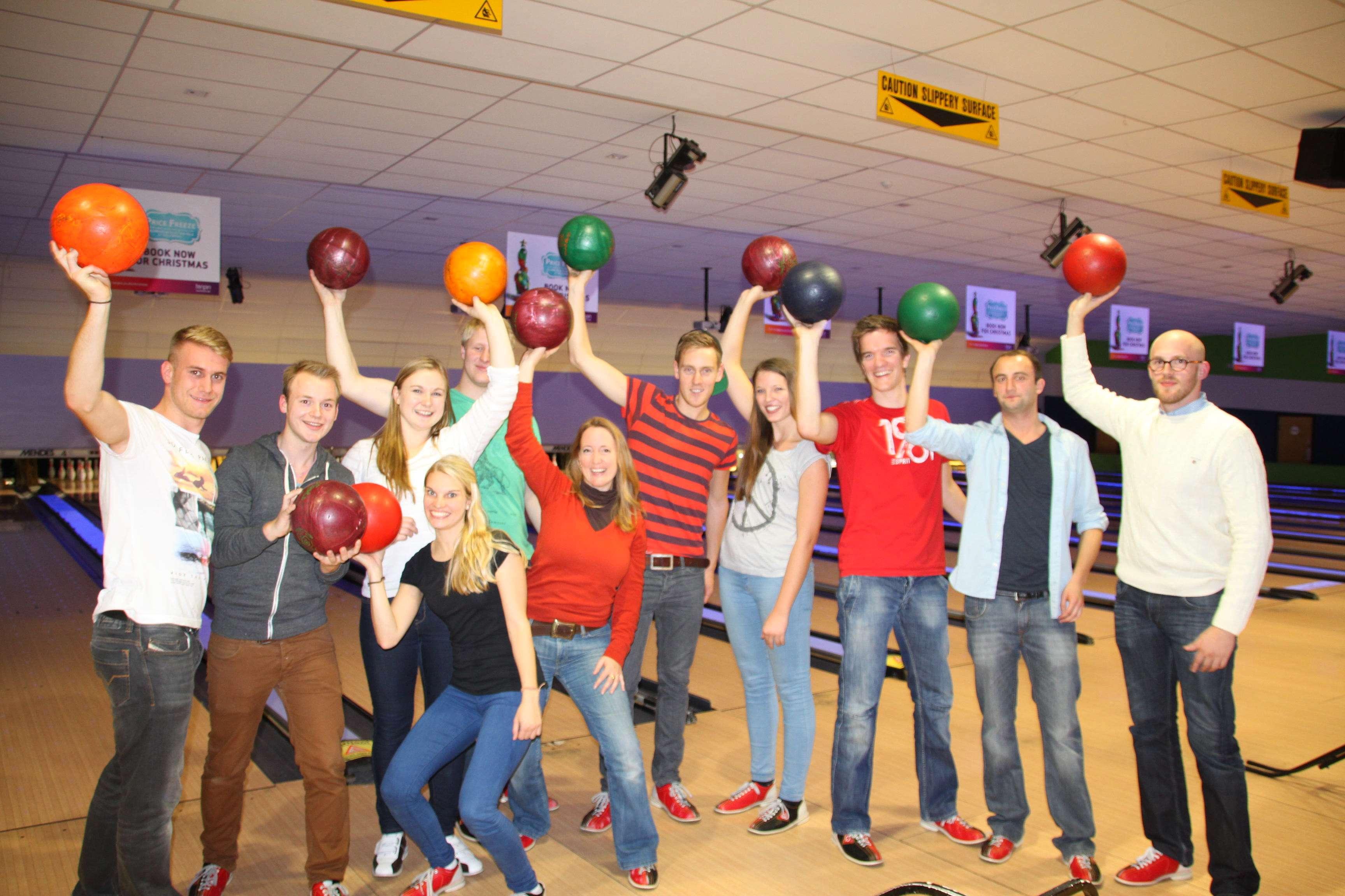 Sportlich am Abend: Bowling