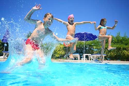 Der Sommer Ist Da Und Mit Ihm Die Freibadsaison! Endlich Erlauben Es Auch  Die Temperaturen, Einen Tollen Tag Im Schwimmbad Unter Freiem Himmel Zu ...