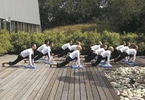 201-3305_Yoga