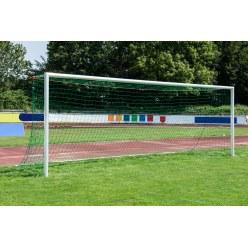 Sport-Thieme Stadion-Großfeldtor 7,32x2,44m, weiß, in Bodenhülsen stehend, mit SimplyFix Netzbefestigung