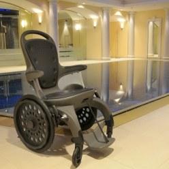 EasyRoller Schwimmbad-Rollstuhl
