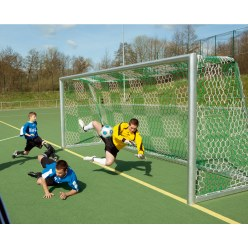 Knotless Youth Football Goal Nets with Chess Board Pattern